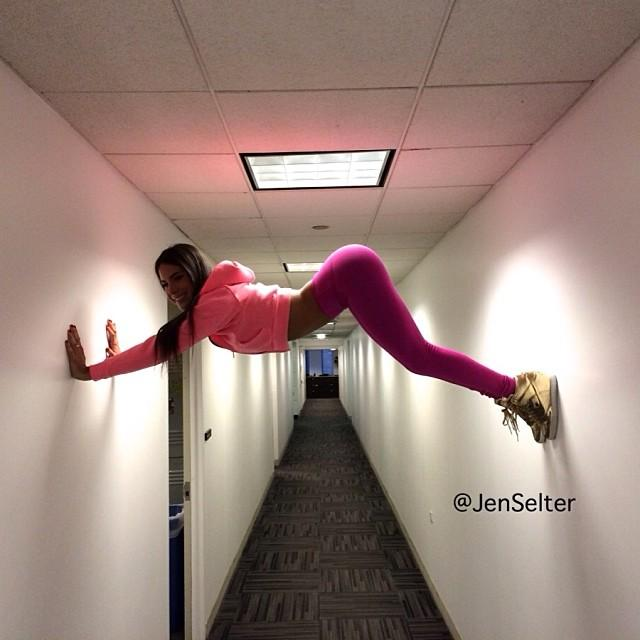 Jen Selter - Hallway Hold Up